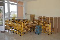 Stěhování a úpravy – tak to vypadá v těchto dnech v prostorách ZŠ J. A. Komenského v Přerově, do kterých se přestěhuje ZŠ a MŠ Pod Skalkou Mateřídouška v Předmostí.