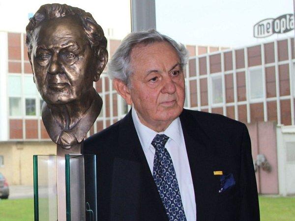 Paul Raustnitz a jeho busta vpřerovské Meoptě