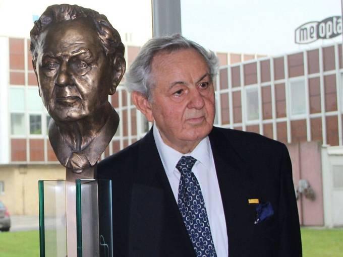 Paul Raustnitz a jeho busta v přerovské Meoptě