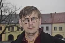 Kurátorem výstavy Stoletá republika - Příběh jednoho města 1918 - 1948, která začala v Muzeu Komenského v Přerově, je Petr Sehnálek.