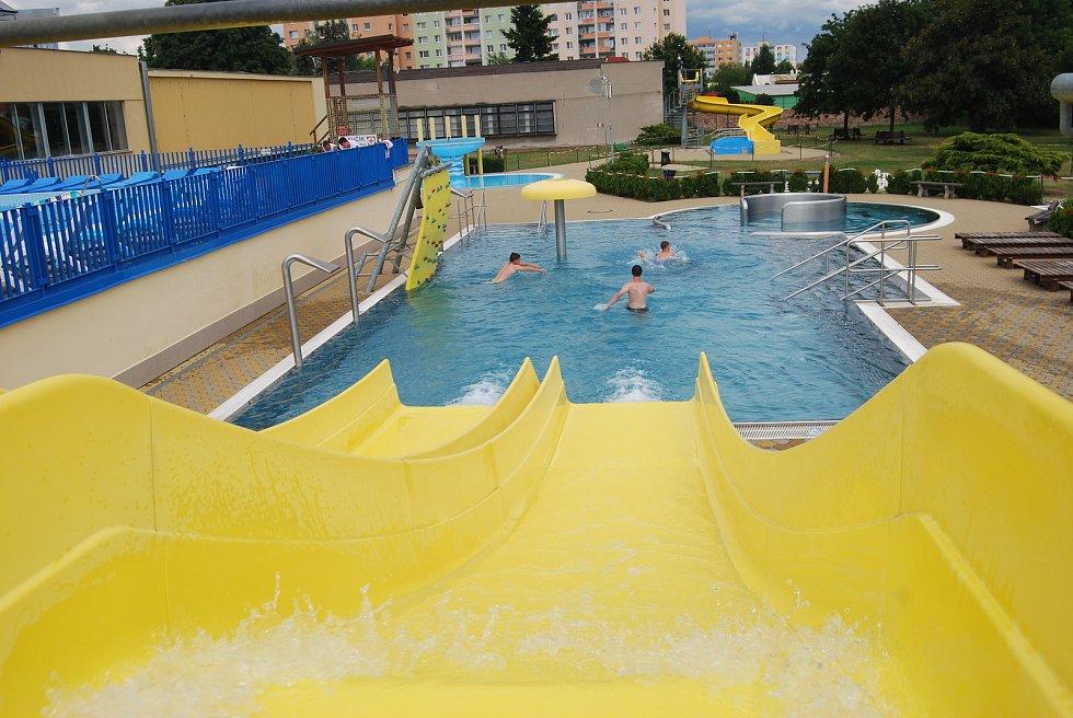 Venkovní bazén plaveckého areálu v Přerově - červenec 2019