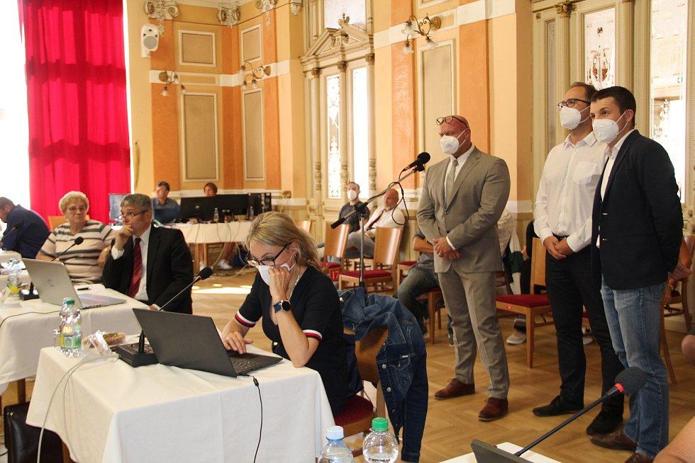 Na jednání zastupitelstva v Přerově představili svůj záměr zástupci developerské společnosti CTP, kteří chtějí investovat v lokalitě Staré Rybníky mezi Předmostím a Dluhonicemi. 6. září 2021