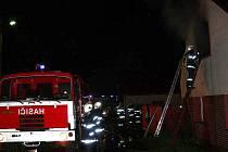 Hustopečští hasiči zasahovali v polovině prázdnin u požáru rodinného domu v Porubě.