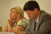 Exekutorka Jitka Studená je obžalována ze zneužití pravomoci veřejného činitele a porušení povinnosti v řízení o konkurzu.