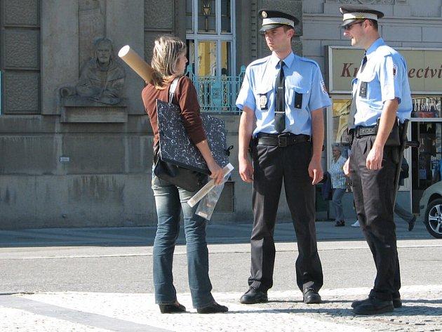 Policisté se anglicky učí hlavně kvůli turistům.