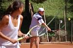 Josef Náhlovský je ostřílený hráč tenisu.