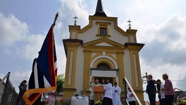 Slavnostní žehnání zrekonstruované hasičské zbrojnice, žehnání sochy svatého Floriána, také nově zrekonstruované kaple Panny Marie a nového zvonu v Horních Těšicích.