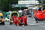 Osobní auto srazilo muže, který přebíhal čtyřproudou silnici mezi sídlištěm Hromůvka a Kauflandem.