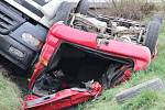 Tragická nehoda cisterny a osobního auta u Černotína