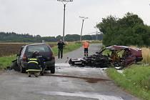 Z havarované Alfy Romeo zůstaly po havárii a následném požáru jen trosky.