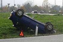 Hrůzostrašně vypadající nehoda se naštěstí obešla bez zranění.