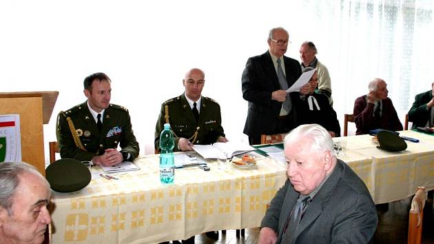 Členové Moravskoslezského svazu Vojenských táborů nucených prací Pomocných technických praporů se sešli v Hranicích.
