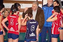 Vladimír Sirvoň se stal staronovým trenérem přerovských volejbalistek.