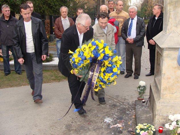 Hokejisté z Přerova uctili památku zesnulých hráčů.