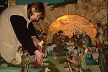 K betlému se zájemci dostanou pravým bočním vchodem od fary.