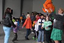 Zábava a soutěže pro děti z dětských domovů na drahotušské letišti