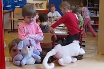 V bělotínské mateřince jsou zatím k dispozici pouze dvě oddělení. Na podzim otevřou pro předškoláky ještě jedno a budou jim tam věnovat nadstandardní péči.