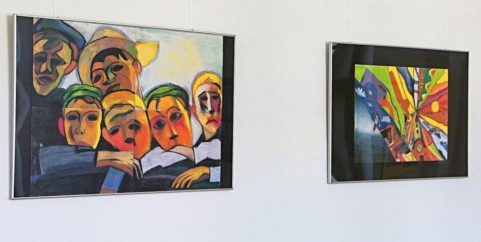 Výstava prací studentů Gymnázia Hranice.