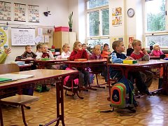 Školy na Přerovsku řeší vyhlášku ministerstva týkající se lavic a židlí individuálně.