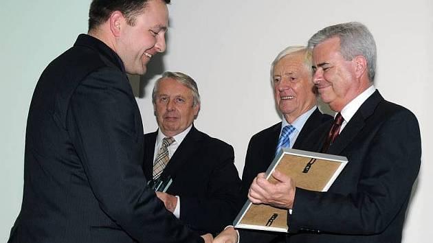 Společnost Velox-Werk získala na stavebním veletrhu v Brně Zlatou medaili IBF za bednění věnců Velox.