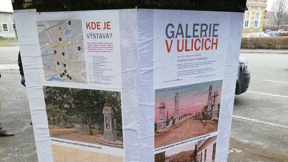 Výlepové plochy v Hranicích opět ožijí. Stanou se pouliční výstavní síní a nabídnou hned dvě výstavy.