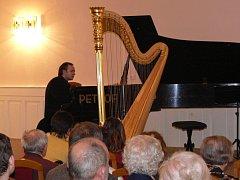 Harfenistka Kateřina Englichová a klavírista Martin Kasík se představili hranickému publiku.