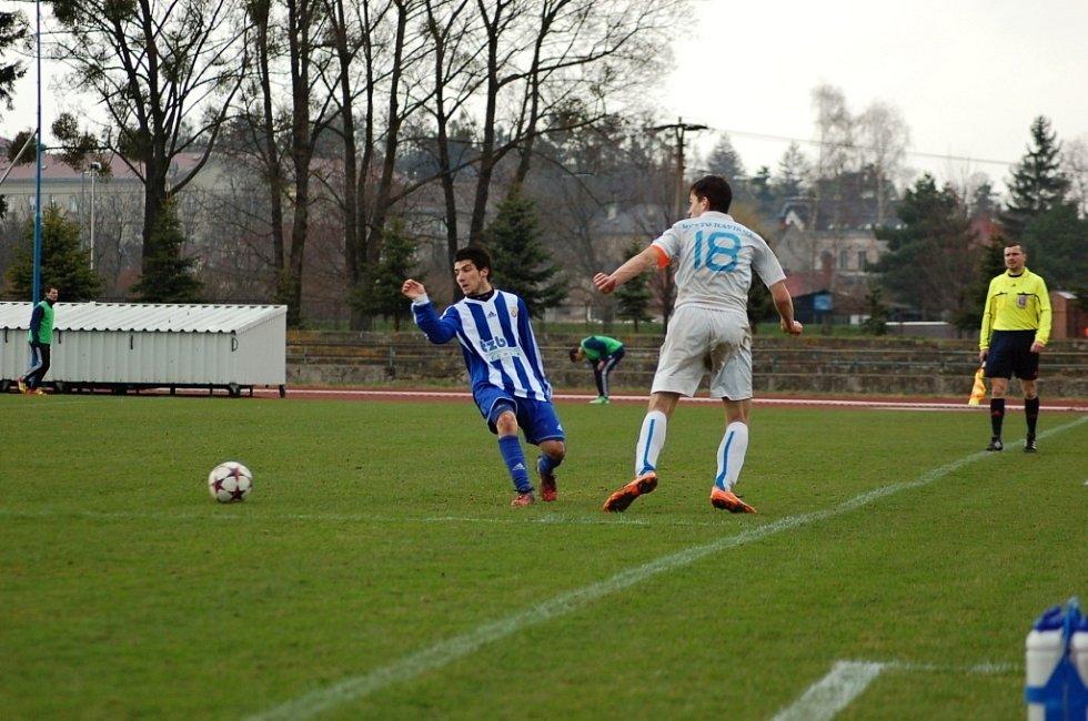 Hraničtí fotbalisté (v pruhovaném) proti Havířovu