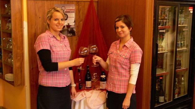 Každoroční ochutnávka mladého francouzského vína v Café-baru Na Zámku v Hranicích