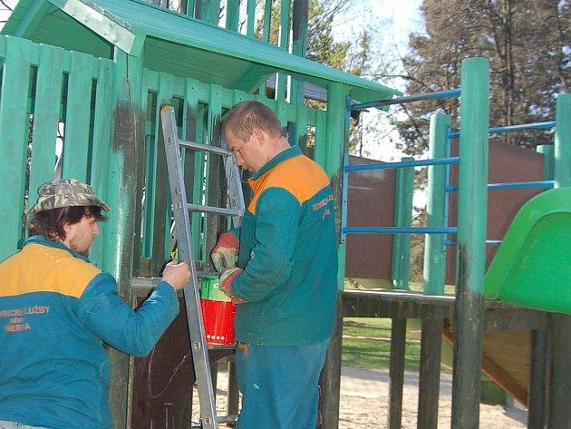 V Michalově se mohou děti těšit na nové průlezky.