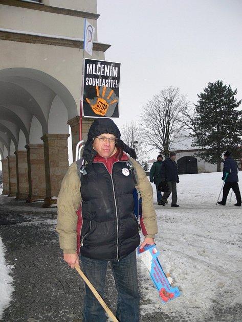 Protest proti amnestii prezidenta se vHranicích setkal schladnou odezvou veřejnosti