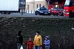 Přebíhání silnice mezi sídlištěm Hromůvka a nákupním centrem Kaufland má zabránit nadzemní lávka pro pěší,
