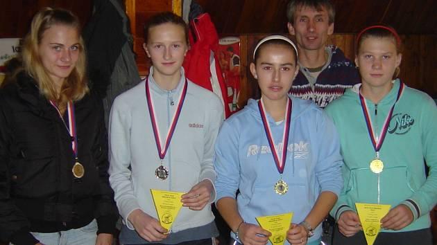 Účastníci tenisových turnajů Tondachu Hranice.