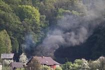 Tři hasičské jednotky vyjížděly v sobotu odpoledne zbytečně. Pálení bylo navíc předem hlášené