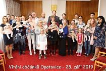 Slavnostní uvítání občánků v Opatovicích.