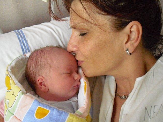 Patrik Peša, Hranice, narozen 14. května ve Valašském Meziříčí, míra 50 cm, váha 3 550 g
