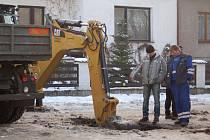 Obyvatelé Lančíkovy a Durychovy ulice nedaleko přerovského hřbitova se ráno ocitli bez vody. Důvodem byla závada na vodovodním potrubí.