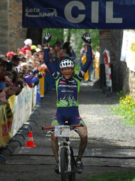 Jan Jobánek z Merida Biking Teamu vyhrál kategorii Classic na 92 kilometrů v čase 3:41:21 hodin.