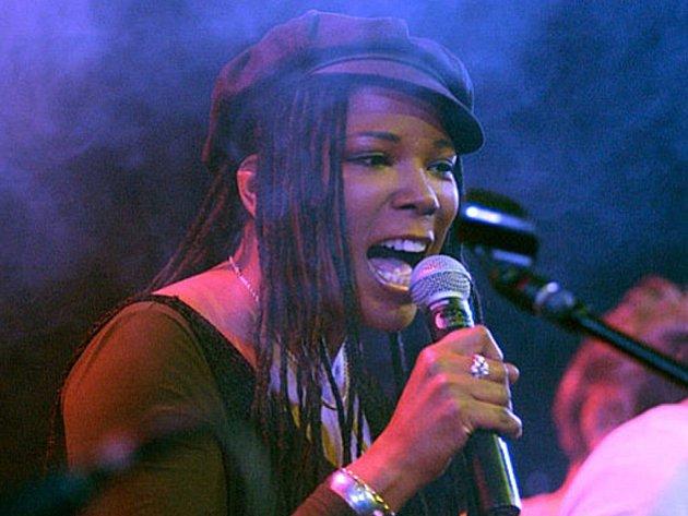Americká jazzová zpěvačka Joyce Hurley vystoupí v sobotu 28. dubna na Evropský jazzových dnech v Hranicích.