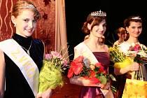 Nejúspěšnějšími soutěžícími nakonec byly (zleva) druhá vicemiss Kristýna Zinráková, Dívka roku Markéta Kovalová a první vicemiss a zároveň Dívka čtenářů Hranického týdne Monika Beránková.