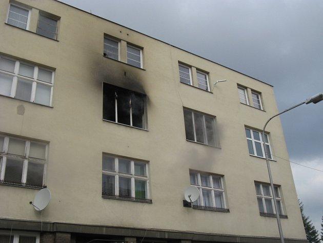Technická závada elektrosvorkovnice infrasauny byla příčinou požáru bytu v Mostní ulici.