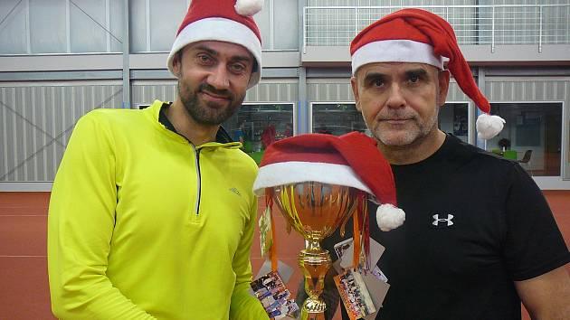 Vítězové vánočního turnaje Radim Říčný a Ladislav Gajdoš starší
