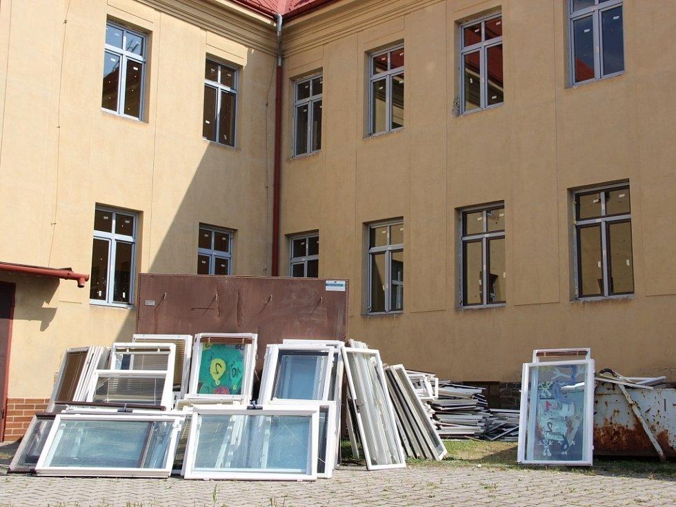 Rekonstrukce ZŠ a MŠ Šromotovo v Hranicích