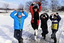 Hodinu tělocviku strávili žáci základní školy Drahotuše na bruslích