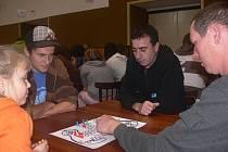 V turnaji ve hře Člověče nezlob se nastoupilo proti sobě v Rovensku na Šumpersku sto hráčů. Postarali se o zápis do České knihy rekordů