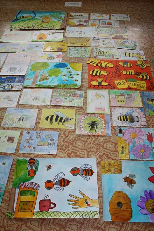 Šestý ročník výtvarné soutěže, které vyhlásilo Včelí království, s názvem Vůně medu se setkal s velkým zájmem