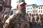 Slavnostní nástup příslušníků Jednotky provinčního rekonstrukčního týmu po návratu ze zahraniční mise v Afghánistánu na Masarykově náměstí v Hranicích