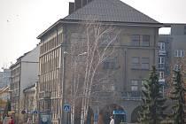 Čekání na budovu se prodraží. Dům v Čechově ulici už měl dávno patřit Přerovu.