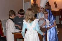 Na Mikulášské besídce hranických skautů si jednotlivé oddíly připravily své představení.