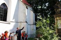 V rámci Dne kostelů se výjimečně otevřela i brána od významného hranického poutního místa Kostelíček. Zavítaly sem děti ze základních i středních škol.