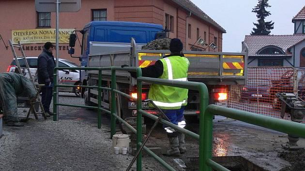Pracovníky VaKu Přerov si kvůli poruchám vodovodních přípojek volají ze všech koutů přerovského okresu.